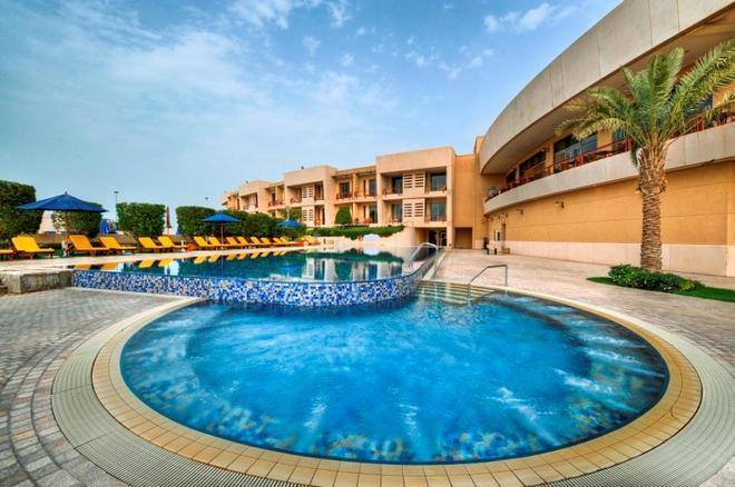 Marina Hotel - Salmiya - Pool