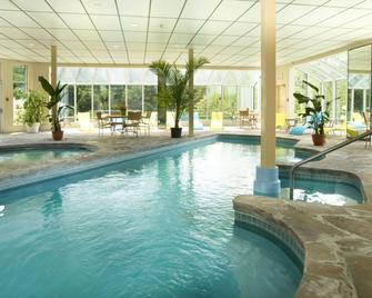 Hôtel Spa Excelsior - Sainte-Adèle - Pool