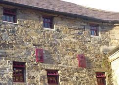 The Old Mill Holiday Hostel - Westport - Näkymät ulkona