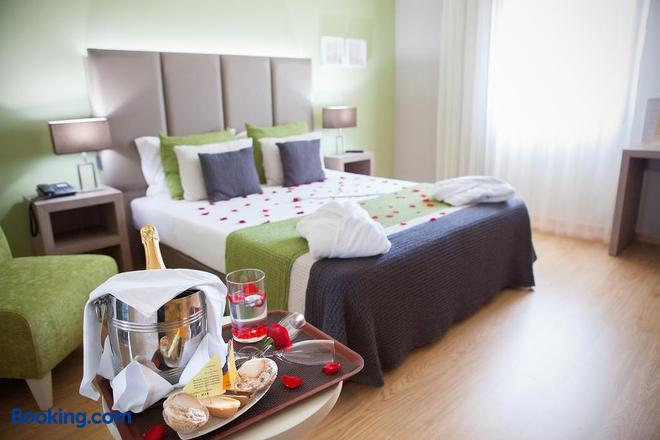 Grande Hotel da Povoa - Póvoa de Varzim - Bedroom