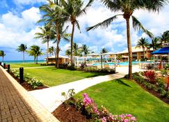 Holiday Inn Resort Grand Cayman - George Town - Outdoors view