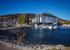 Best Western PREMIER Hotel Beaulac - Neuchâtel - Bâtiment