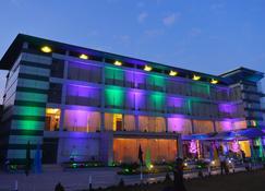Brisa Marina Cbc Resort - Chittagong - Building