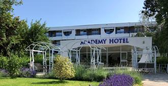 Academy Hotel - Venus - Edificio