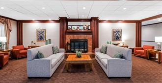 La Quinta Inn & Suites by Wyndham Madison American Center - Madison - Lounge