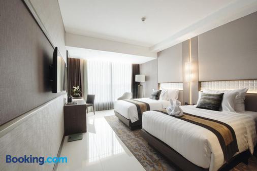 Grand Ambarrukmo Hotel - Yogyakarta - Bedroom
