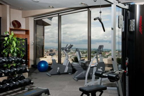 Pacific Gateway Hotel at Vancouver Airport - Richmond - Gym