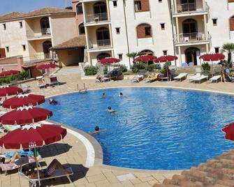 Club Esse Posada - Palau - Pool