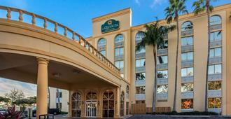 La Quinta Inn & Suites by Wyndham West Palm Beach Airport - West Palm Beach