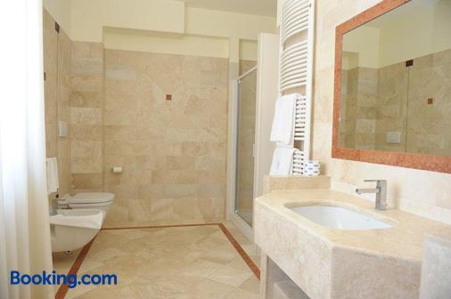 Hotel Svevo - Gioia del Colle - Bathroom