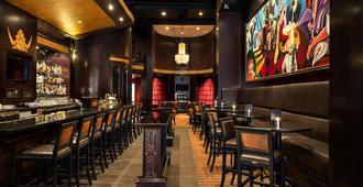 St. Regis Hotel - Vancouver - Bar
