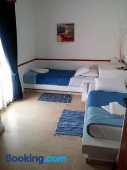 曼特拉吉酒店式公寓 - 阿吉歐斯尼古拉斯 - 阿基歐斯尼古拉斯 - 臥室