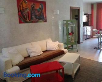 Casa Felicité - di Francesca e Antonio - Follina - Living room