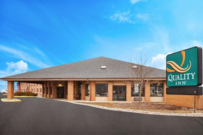 Quality Inn Grand Blanc - Grand Blanc - Building
