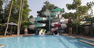 Sunray Village Resort - Visakhapatnam - Pool
