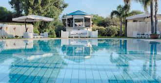 NH Catania Parco Degli Aragonesi - Catania - Pool