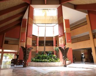 Palm Beach - Saly - Building