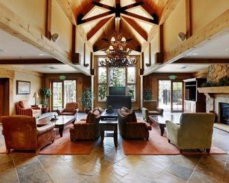 Mountain Thunder Lodge - Брекенридж - Лобби