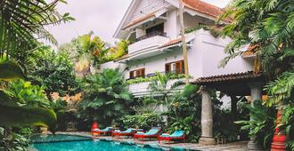 Hotel Tugu Malang - מאלאנג