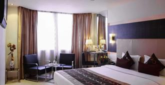 Quality Inn Residency - Hyderabad - Bedroom