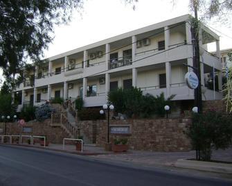 Oceania Hotel - Karfas - Building