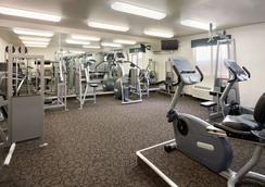 Travelodge by Wyndham Milford - Milford - Gym