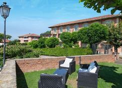 Hotel Castello di Santa Vittoria - Alba - Bedroom