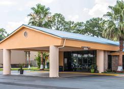 Quality Inn Hinesville - Fort Stewart Area - Hinesville - Rakennus