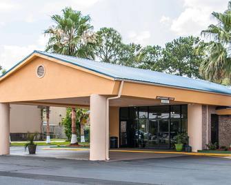 Quality Inn Hinesville - Fort Stewart Area - Hinesville - Gebäude