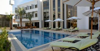 Public Security Hotel & Chalets - Aqaba - Bể bơi