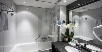 Crowne Plaza Maastricht - Maastricht - Bathroom