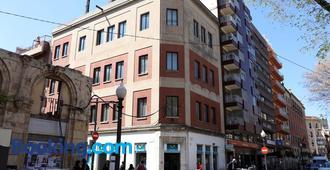 Ram Rooms R.C. - Tarragona - Building