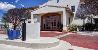 San Mateo Inn - Albuquerque - Building