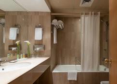 Le Commodore - Beirut - Bathroom