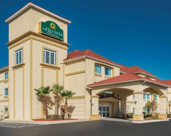 La Quinta Inn & Suites by Wyndham Kingsland/Kings Bay - Kingsland - Building