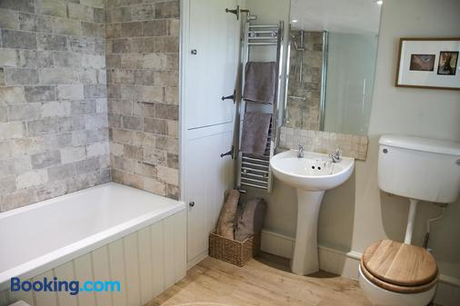 The Blue House Bed And Breakfast - Grange-over-Sands - Bathroom