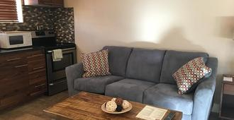 The Flagstone Boutique Inn & Suites - A Canyons Collection Property - Kanab - Keittiö