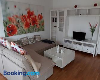 Quellenresidenz Bad Vilbel - Bad Vilbel - Living room