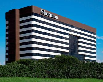 Sheraton Dfw Airport Hotel - Irving - Building