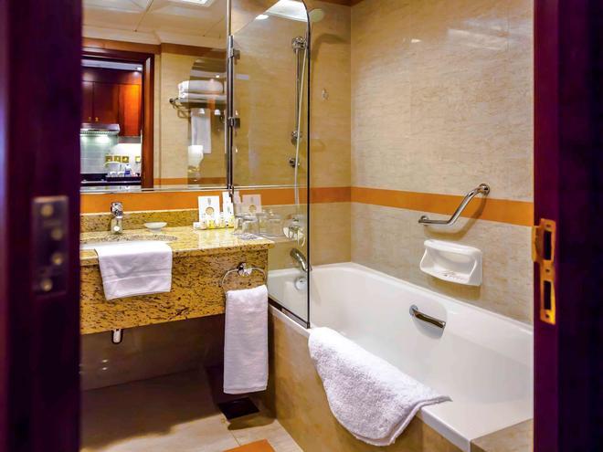 瑪吉里斯阿布扎比美爵住宅酒店 - 阿布達比 - 阿布達比 - 浴室
