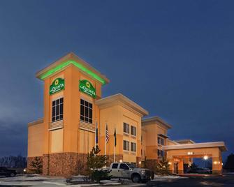 La Quinta Inn & Suites by Wyndham Elk City - Elk City - Building