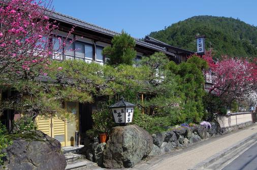 Ryoso Chatani - Kyoto - Outdoors view