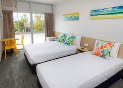 Palm Beach Hotel - Palm Beach - Bedroom