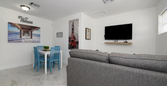 Relax And Enjoy Fort Lauderdale Beach! - Fort Lauderdale - Wohnzimmer