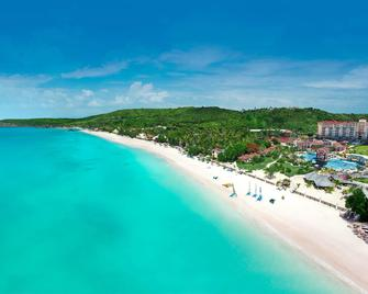 Sandals Grande Antigua Couples Only - Cedar Grove - Strand