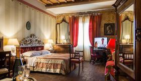 Al Tuscany B&B - Lucca - Makuuhuone