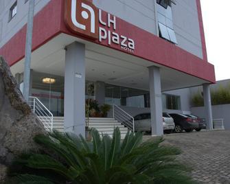 Lh Plaza Hotel - Chapecó - Building