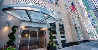 Hampton Inn Manhattan/Downtown-Financial District - New York - Building