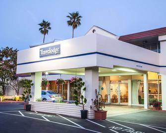 Travelodge by Wyndham Monterey Bay - Монтеррей - Building
