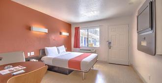 Motel 6-San Antonio, Tx - Fiesta - San Antonio - Bedroom